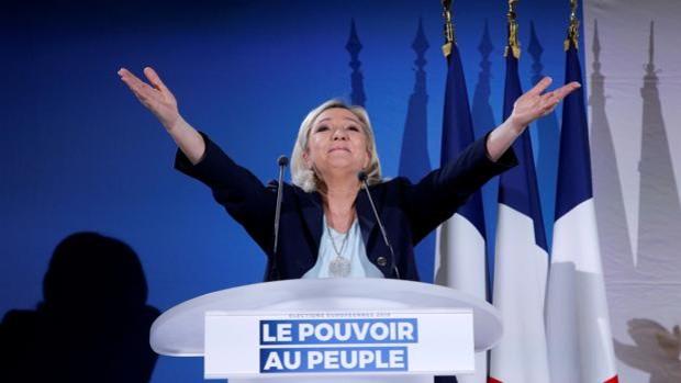 Marine Le Pen consolida sus posiciones contra Macron para las presidenciales de 2022