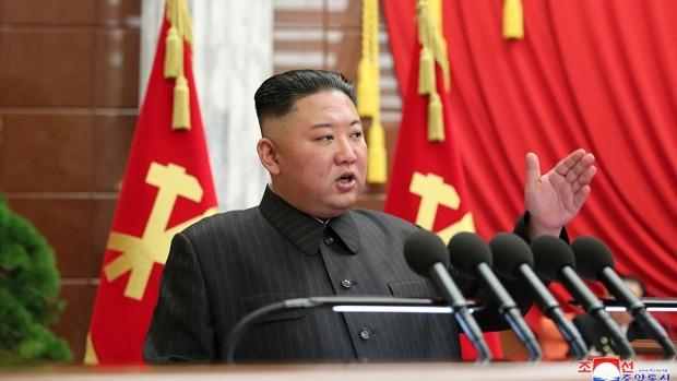 Kim Jong-un señala un «grave incidente» en la gestión de la pandemia en Corea del Norte