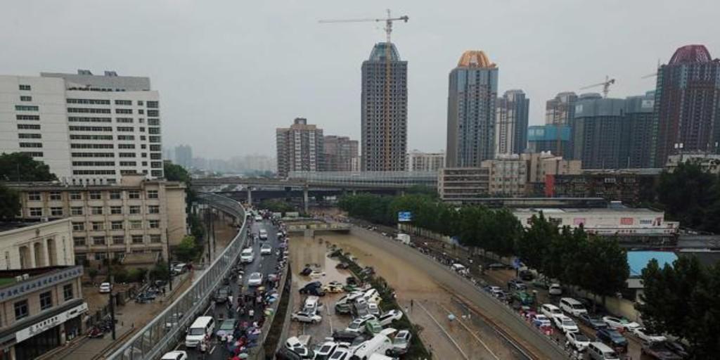 Aumentan a 13 los trabajadores muertos en un túnel inundado en el sur de China