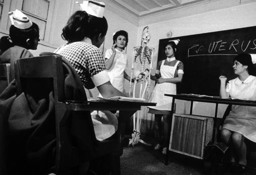 Women in Anatomy class in Afghanistan
