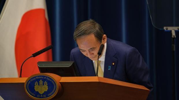 El primer ministro de Japón renuncia al cargo y no se presentará a las elecciones de octubre
