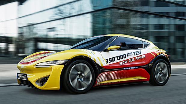 El coche impulsado por agua y sales demuestra su viabilidad tras recorrer 350.000 kilómetros