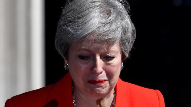 La primera ministra británica, Theresa May, se emociona tras anunciar su dimisión el 24 de mayo de 2019