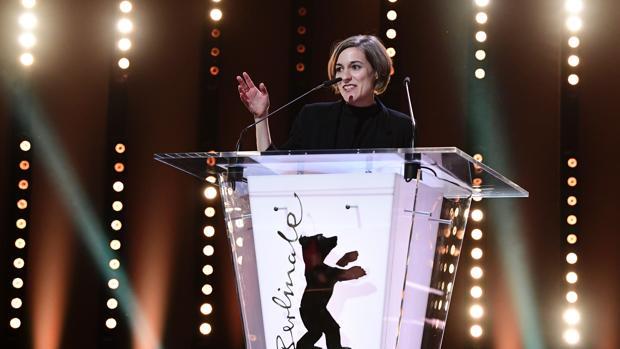 La cineasta española Carla Simón, durante la gala de cierre de la Berlinale