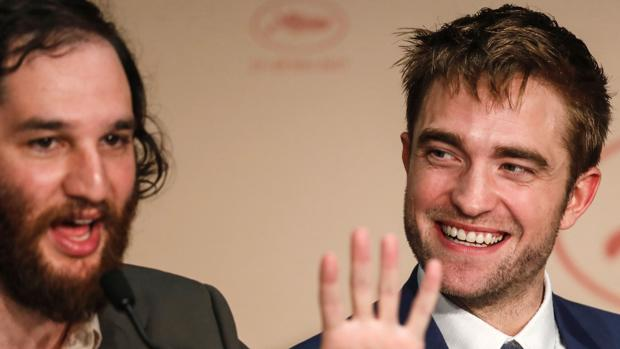 El director Josh Safdie y el actor Robert Pattinson, durante la presentación de «Good Time»