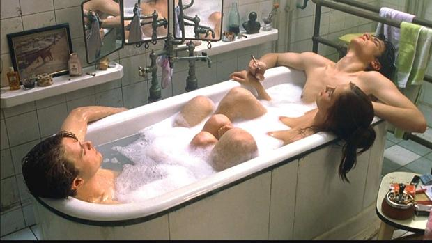 Una escena de Soñadores, dirigida por Bernardo Bertolucci