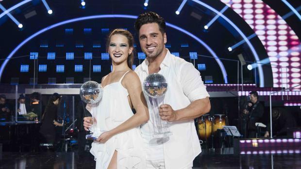David Bustamente junto a su pareja de baile, Yana Olina, en «Bailando con las estrellas»