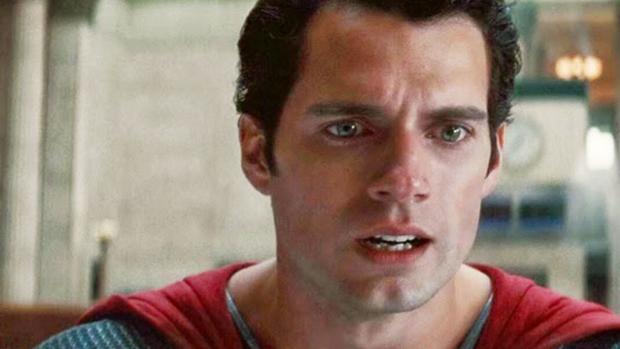 Henry Cavill en el papel de Superman