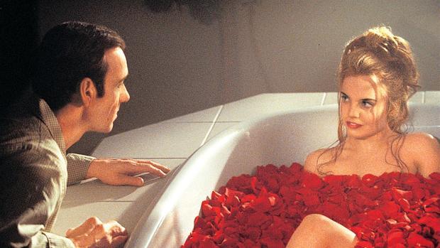 Kevin Spacey y Mena Suvari en American Beauty (1999)