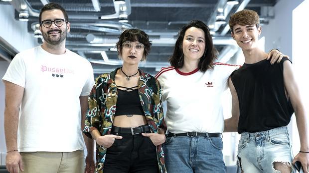 Rafa Taboada, Cris Domínguez, Georgia Elliott y Alejandro Reina antes del encuentro