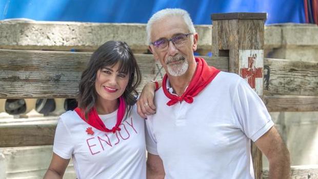 Javier Solano, junto a Elena S. Sánchez, en la presentación de la cobertura de Sanfermines 2019