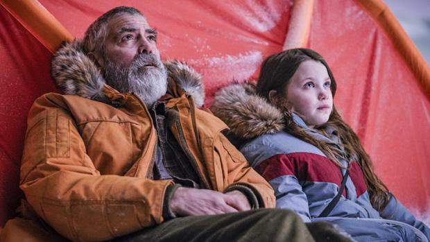 Crítica de «Cielo de medianoche»: George Clooney y el planeta de los simios