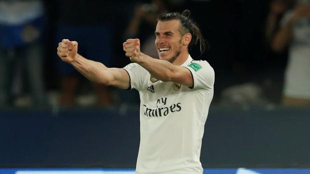 Gareth Bale celebra uno de los goles ante el Kashima