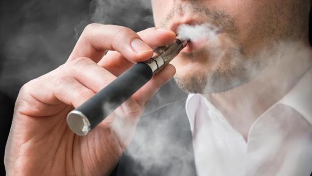 Los cigarrillos electrónicos sin nicotina también perjudican la salud