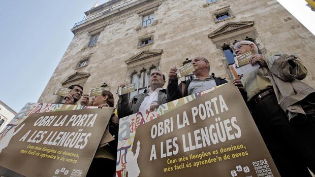 Las denuncias de adoctrinamiento ideológico se han extendido a los centros escolares de la Comunidad valenciana