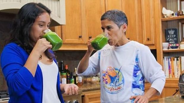 La youtuber Mari López junto a su sobrina, en uno de los vídeos del canal