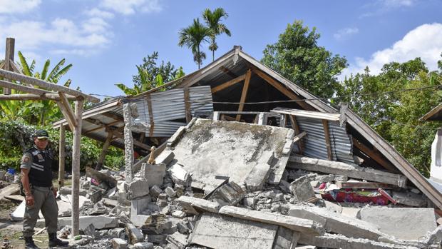 Imagen de los daños provocados en Lombok