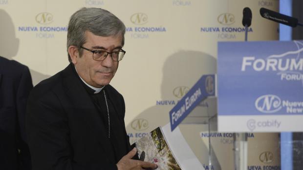 El secretario general de la Conferencia Episcopal Española, monseñor Luis Argüello