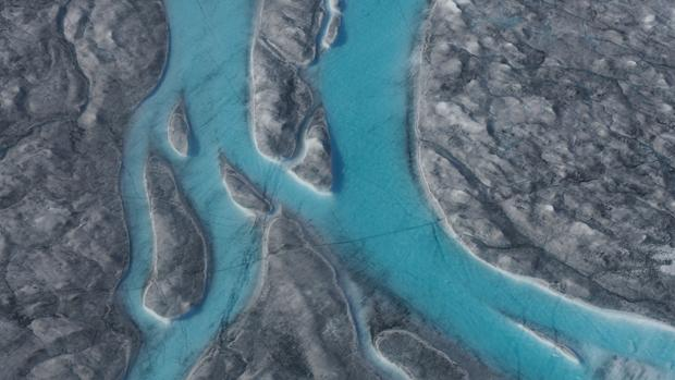 Hielo derritiéndose durante la ola de calor en Groenlandia