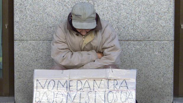 Imagen de archivo de una persona sintecho en Madrid