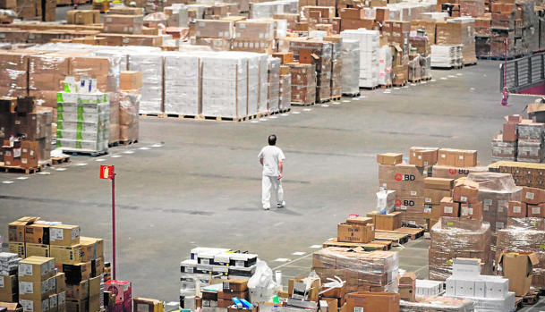 Aspecto del pabellón 10 de Ifema, donde se almacena material sanitario