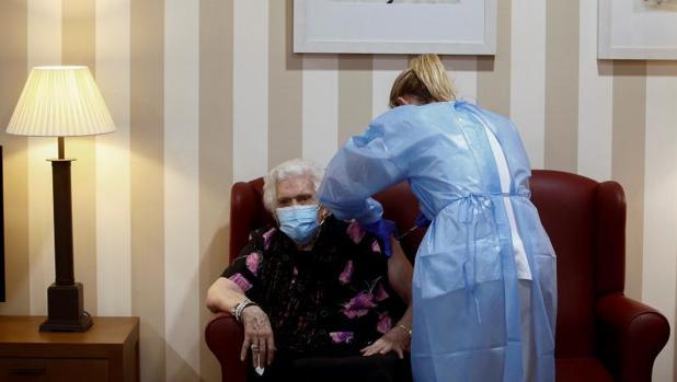 La campaña de vacunación se frena en España