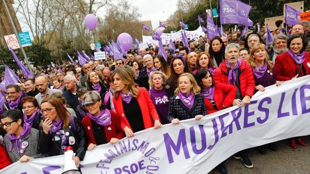 La pelea del Gobierno se suma a la del feminismo y multiplica los 8-M por todo el país