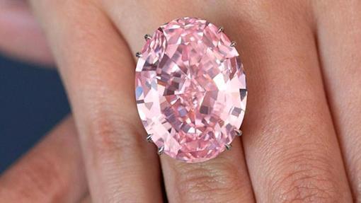Este diamante rosa fue subastado por 71,2 millones de dólares