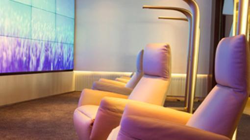 Zona de relax en Etihad Diamond First Class Lounge, Abu Dhabi