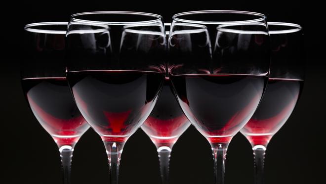 Cómo coger la copa, la temperatura o el color son factores a tener en cuenta a la hora de degustar un buen caldo