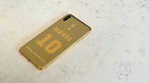 Messi presume de su nuevo Iphone de oro