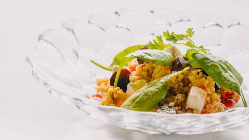 Ensalada de quinoa con remolacha, manzana y nueces de Tatel