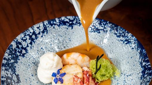 Crema de marisco con espuma de coliflor de Zalacaín