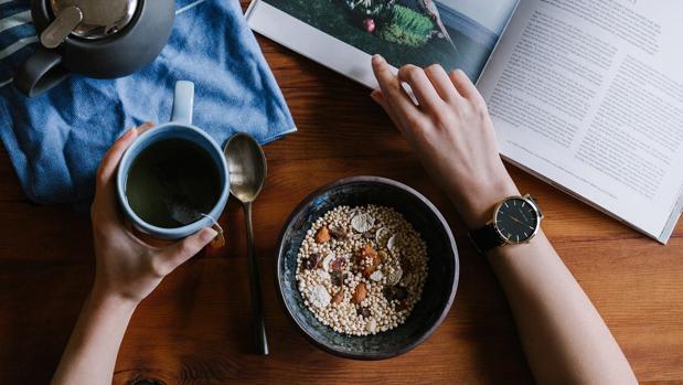 Un desayuno a base de cereales, semillas y frutos secos