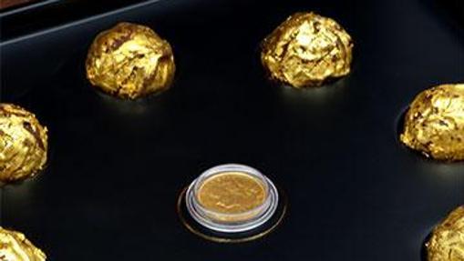 Bombones recubiertos de oro comestible