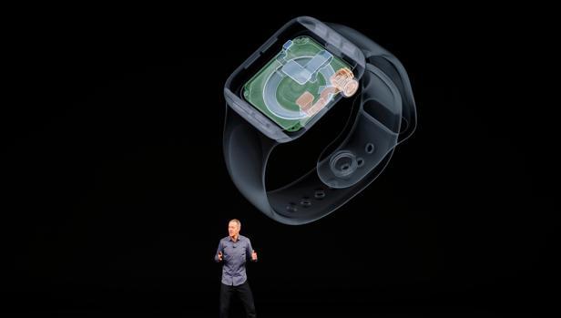 e6d8d531585 Hardware Jeff Williams, directivo de Apple, durante la presentación