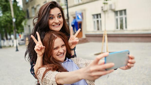 ¿Abusas de los «selfies» en Instagram? Corres el riesgo de que te perciban como un perdedor