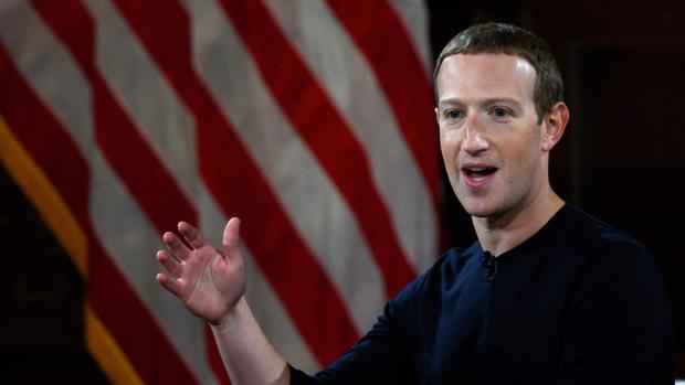 Mark Zuckerberg, fundador de Facebook, durante su intervención