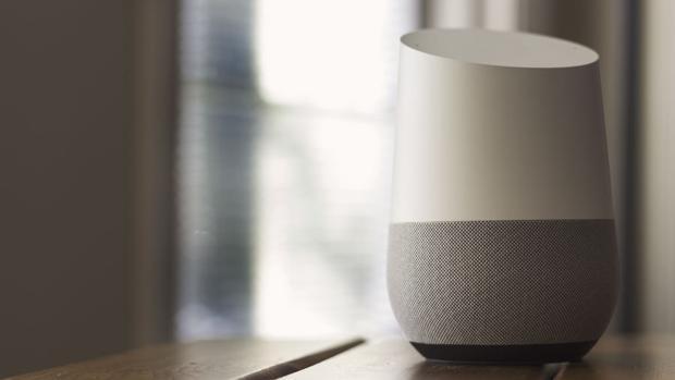 Las «apps» de terceros para los altavoces Google Home y Alexa también pueden espiarte