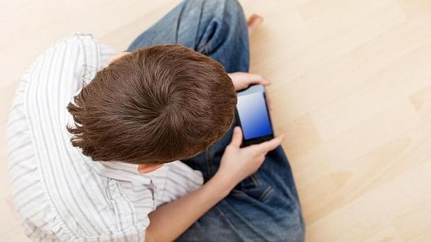 ¿A qué edad pueden los niños tener su primer teléfono móvil?