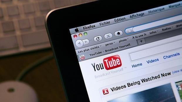 YouTube gana dinero con anuncios de tratamientos falsos del Covid-19