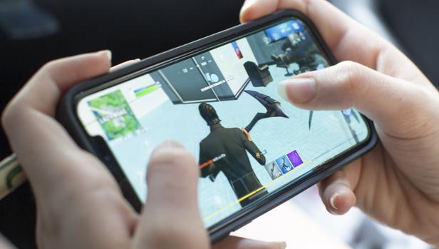 Fortnite no se podrá descargar en el iPhone, aunque su tecnología para crear juegos no se bloqueará