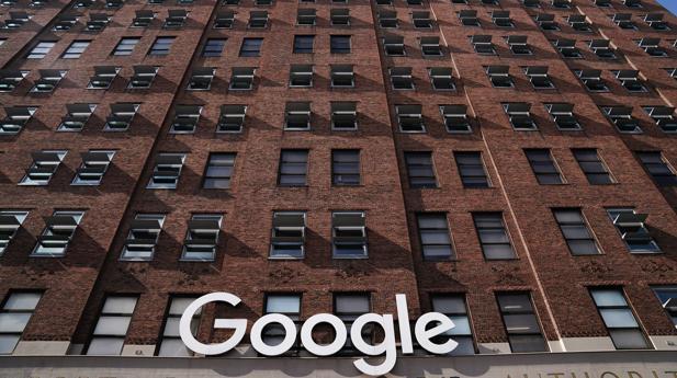 Google y sus otros frentes abiertos: pago a editores, recopilación de datos sin permiso y abuso con Android