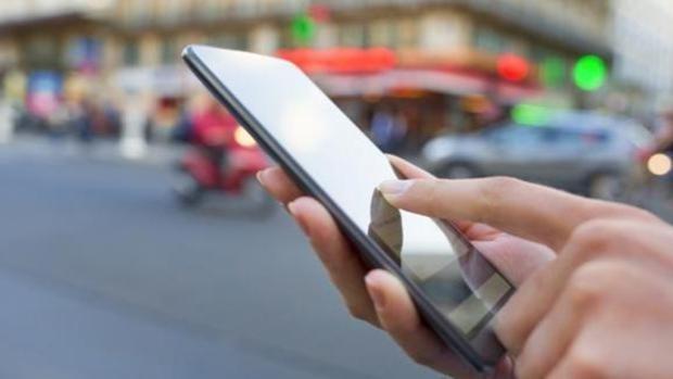 Cuidado con el móvil: estos son los trucos que necesitas para que no te espíe la ubicación