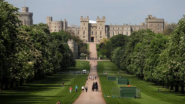Turistas en el Long Walk del Castillo de Windsor
