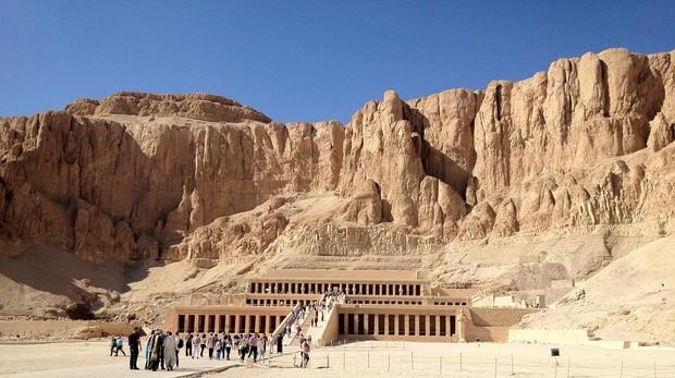 El templo funerario de Hatshepsut en Egipto, una de las 5 ciudades de nuestra ruta
