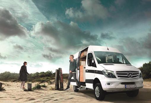Esta moda de viajar en furgoneta se debe a la capacidad de improvisación y el postureo en redes sociales