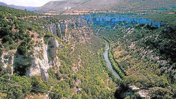 El pueblo y los cañones que fueron el refugio burgalés de Miguel Delibes